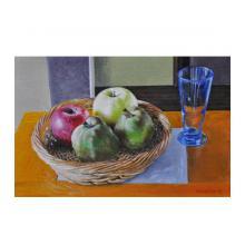 グラスと篭の中の果実